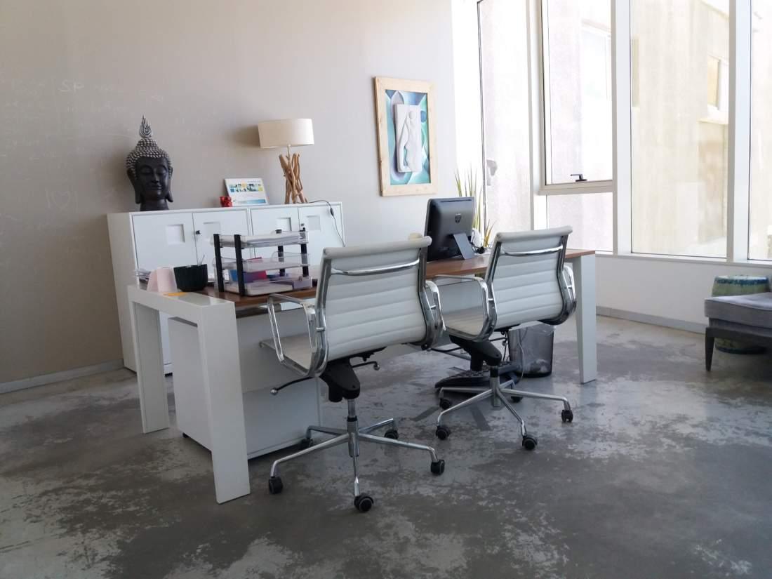 משרד מעוצב אדריכלית המותאם למקצועות חופשיים.