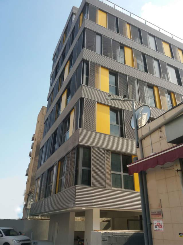 משרד בבניין משרדים מיוחד בשכונת מונטיפיורי.