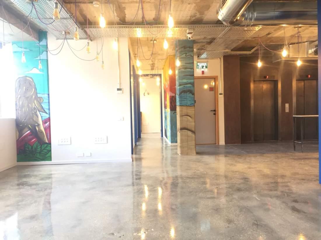 משרד חדש משופץ מהייסוד בעיצוב צעיר ומדליק.