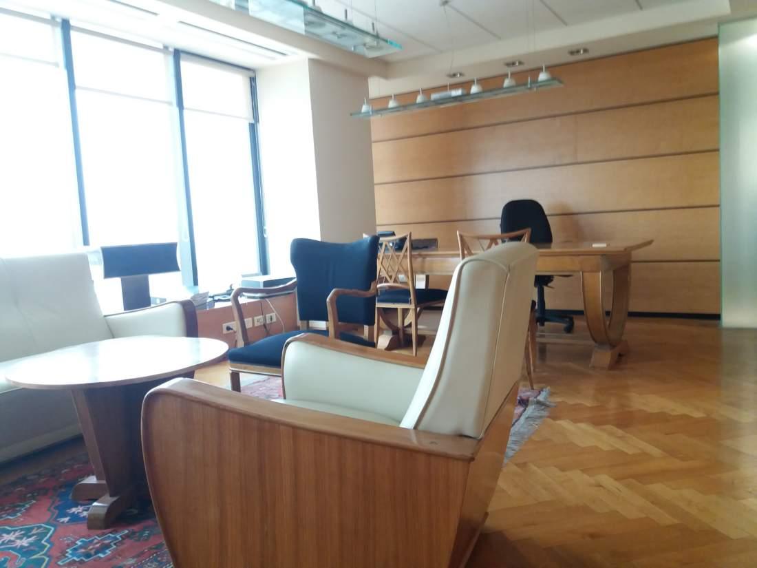 משרד להשכרה במגדל לוינשטיין עם נוף מהמם.
