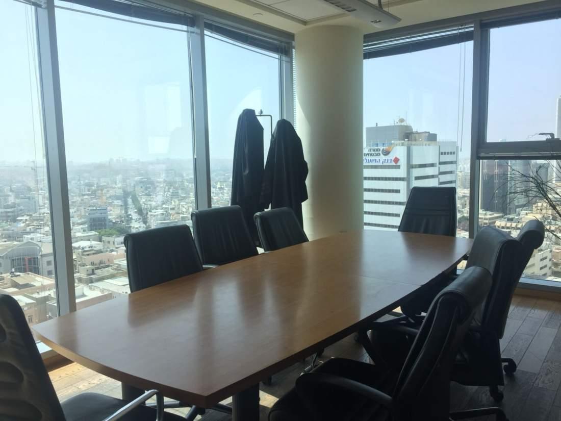 משרד עם נוף במגדל הכי יוקרתי ברוטשילד.