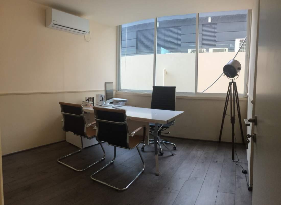 משרד יפה ומושקע להשכרה על שדרות רוטשילד.