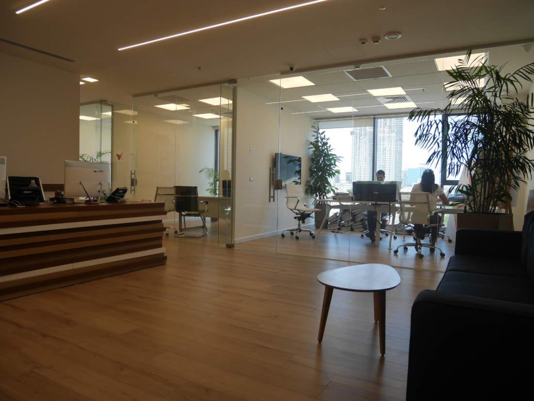 משרד חדש ויפה ליד מחלף שלום במחיר מצויין.