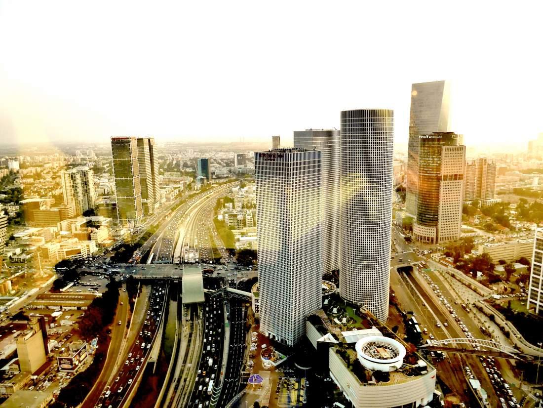 135 מ״ר בקומה גבוהה עם נוף מיוחד במידטאון.
