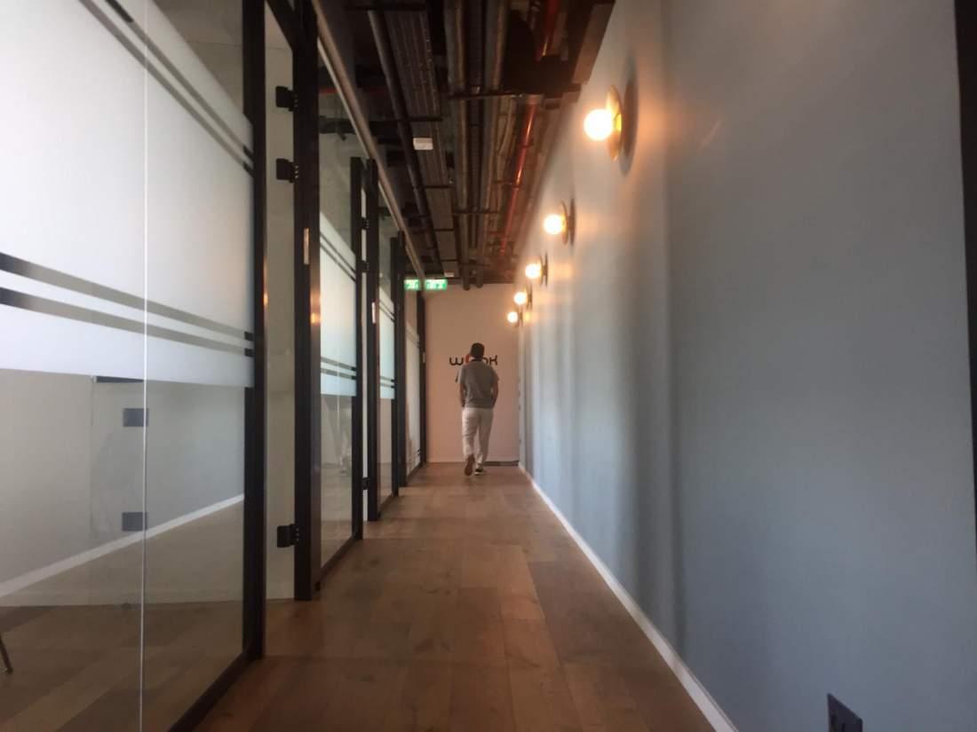 להשכרה בקומה גבוהה, משרד חדש במחלף השלום וברחוב הארבעה