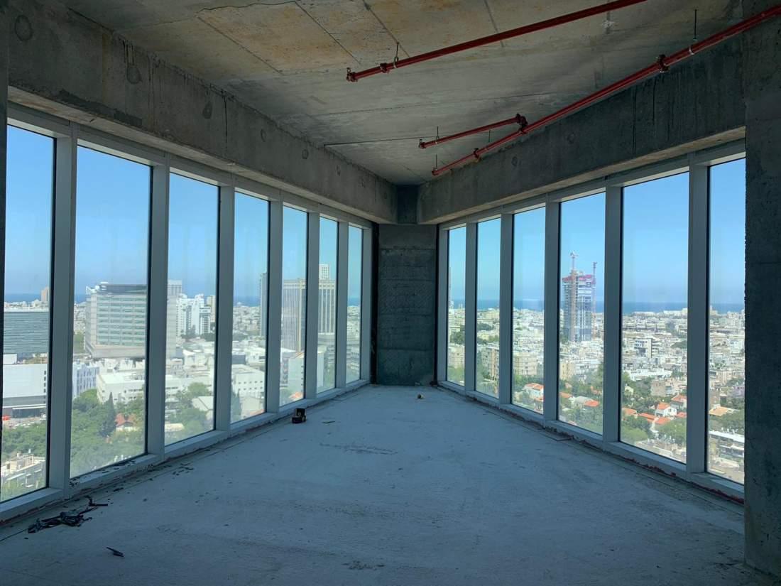 משרד מדהים במגדל על ציר מנחם בגין בהתאמה אישית