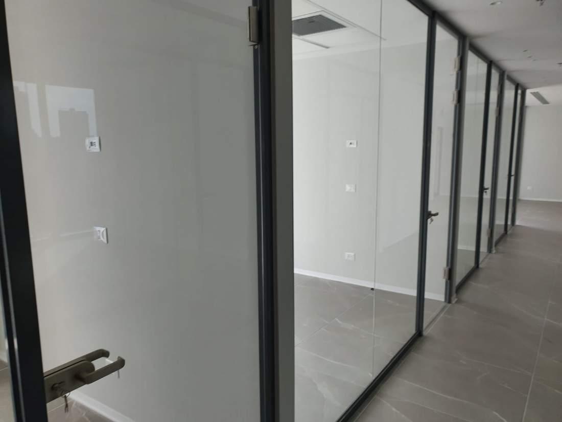 להשכרה משרד חדש במגדל חדש לאחר גמר בסטנדרט גבוה